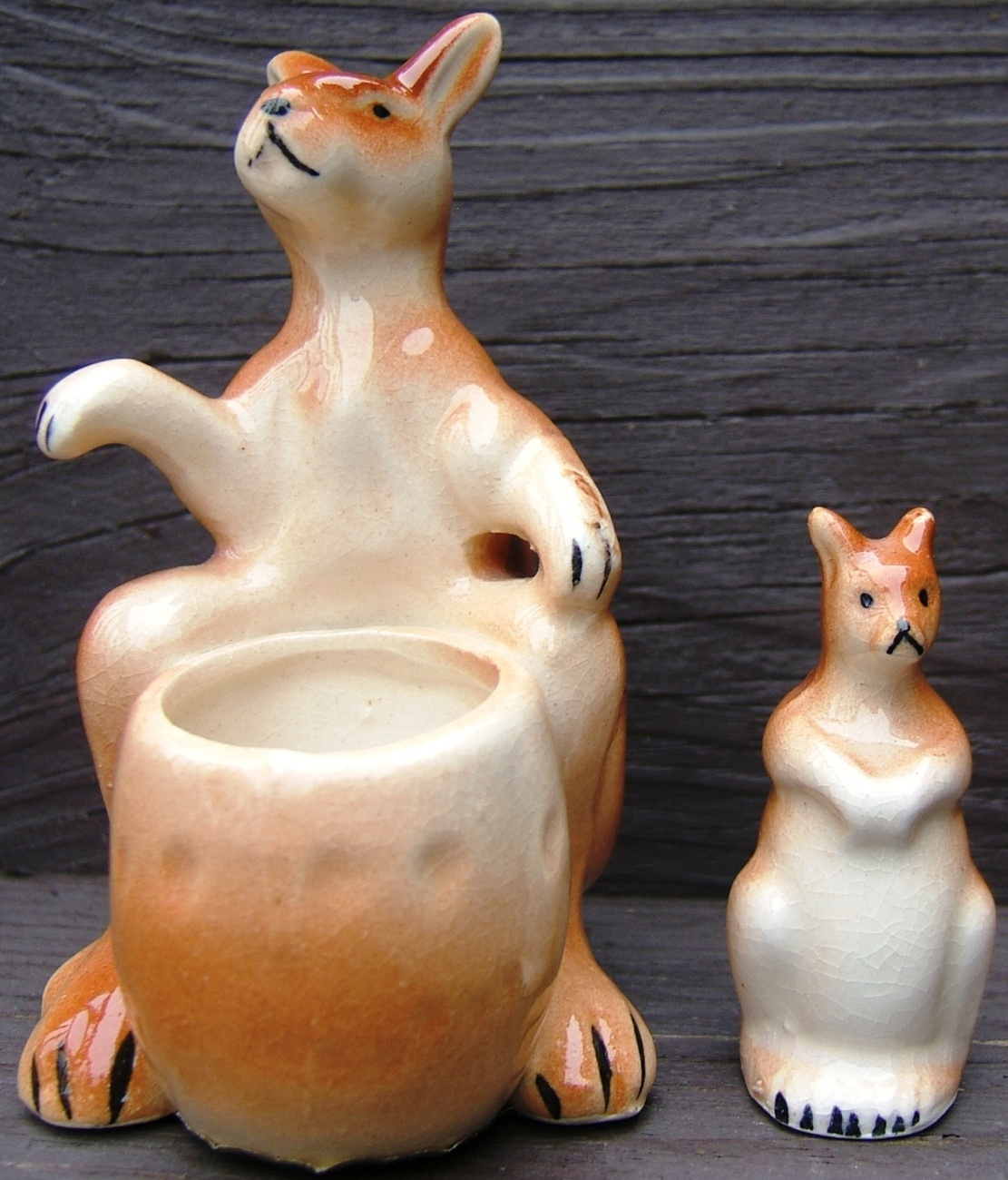 Vintage Kangaroo and Joey Salt SOUVENIR Ceramic Salt and Pepper Shaker Set JAPAN