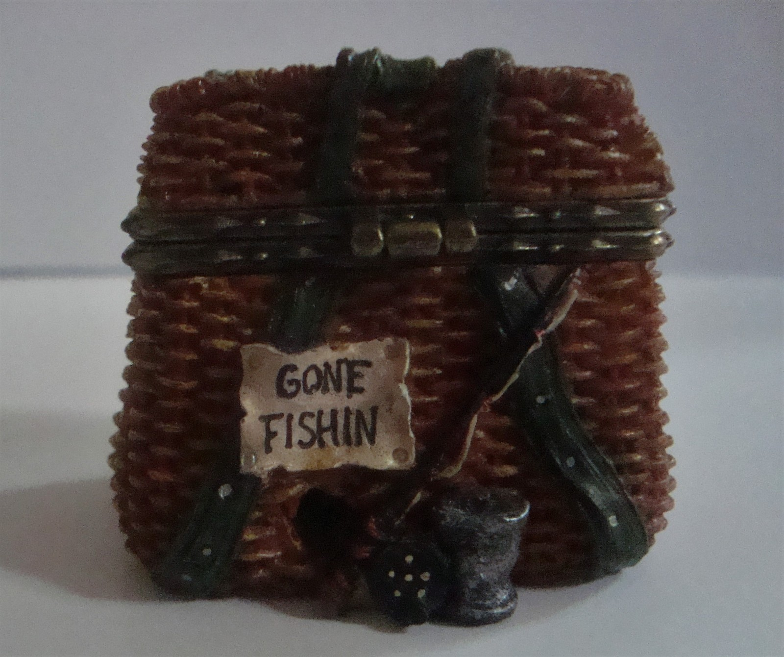 Boyd's Bears Uncle Bean's Treasure Box Opie's Creel Basket with Minnow McNibble