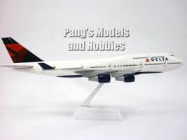 Boeing 747 (747-400) Delta Airlines 1/200 Scale Model by Flight Miniatures  - $34.64