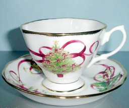 Royal Albert Old Country Roses Christmas Tree Tea Cup & Saucer New In Box - $31.90