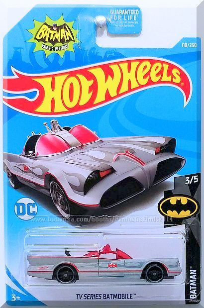 Hot Wheels TV Series Batmobile Batman 3//5 1:64 118//250 2019 Mattel