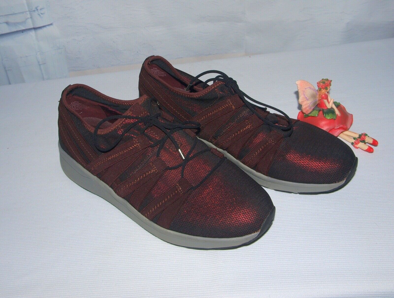 Primary image for Easy Spirit Illuma Lightweight Mesh Sneaker Wine Color Size 11W