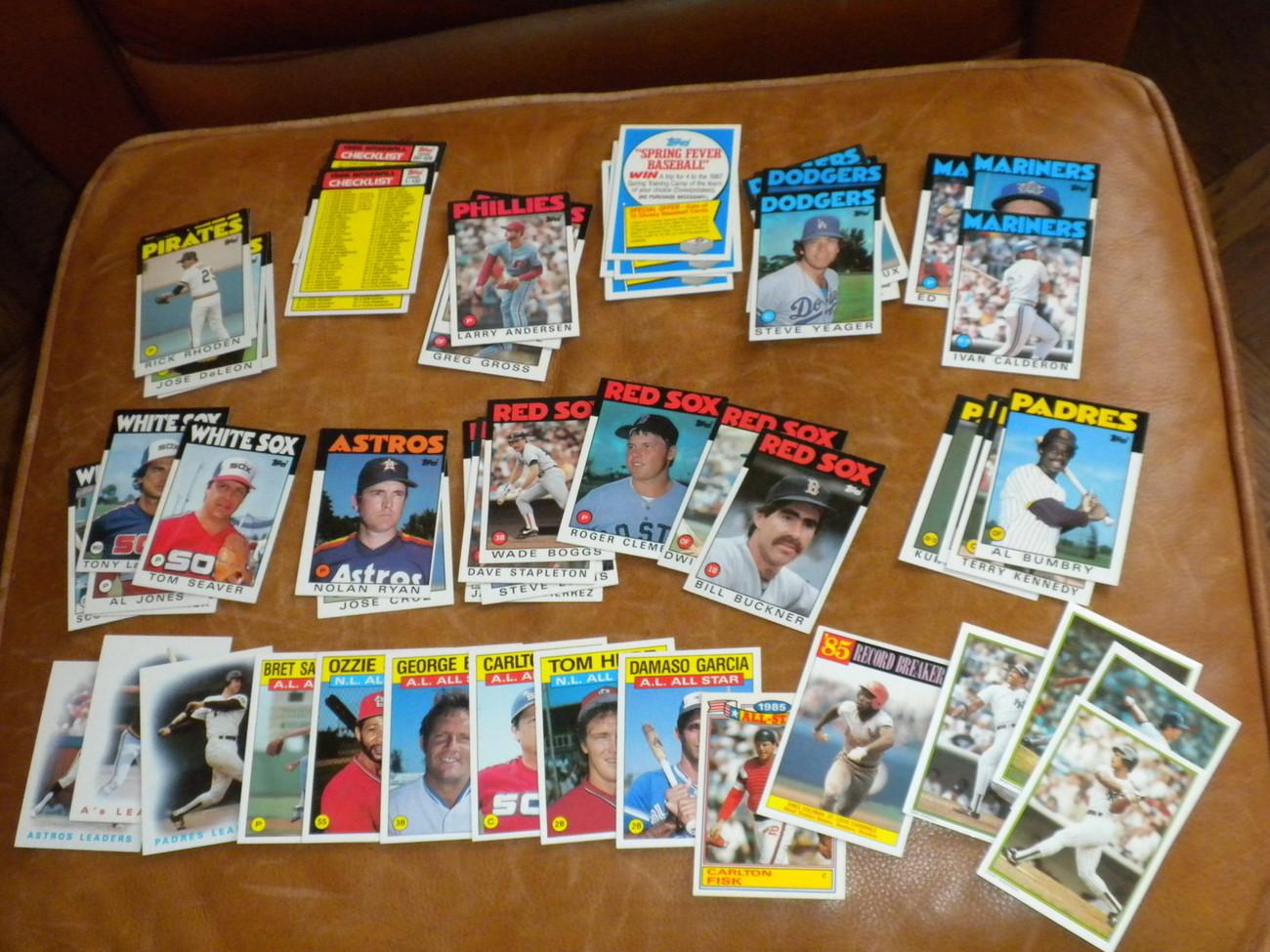 Lot of 129 TOPPS Baseball cards 1986 Ryan, Clemens, Buckner, Seaver, Fisk, butlr