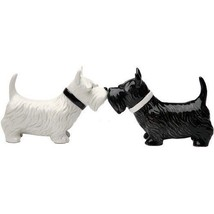 Kissing Scottish Terrier Scottie Dogs Salt & Pepper Shaker Set - $12.86