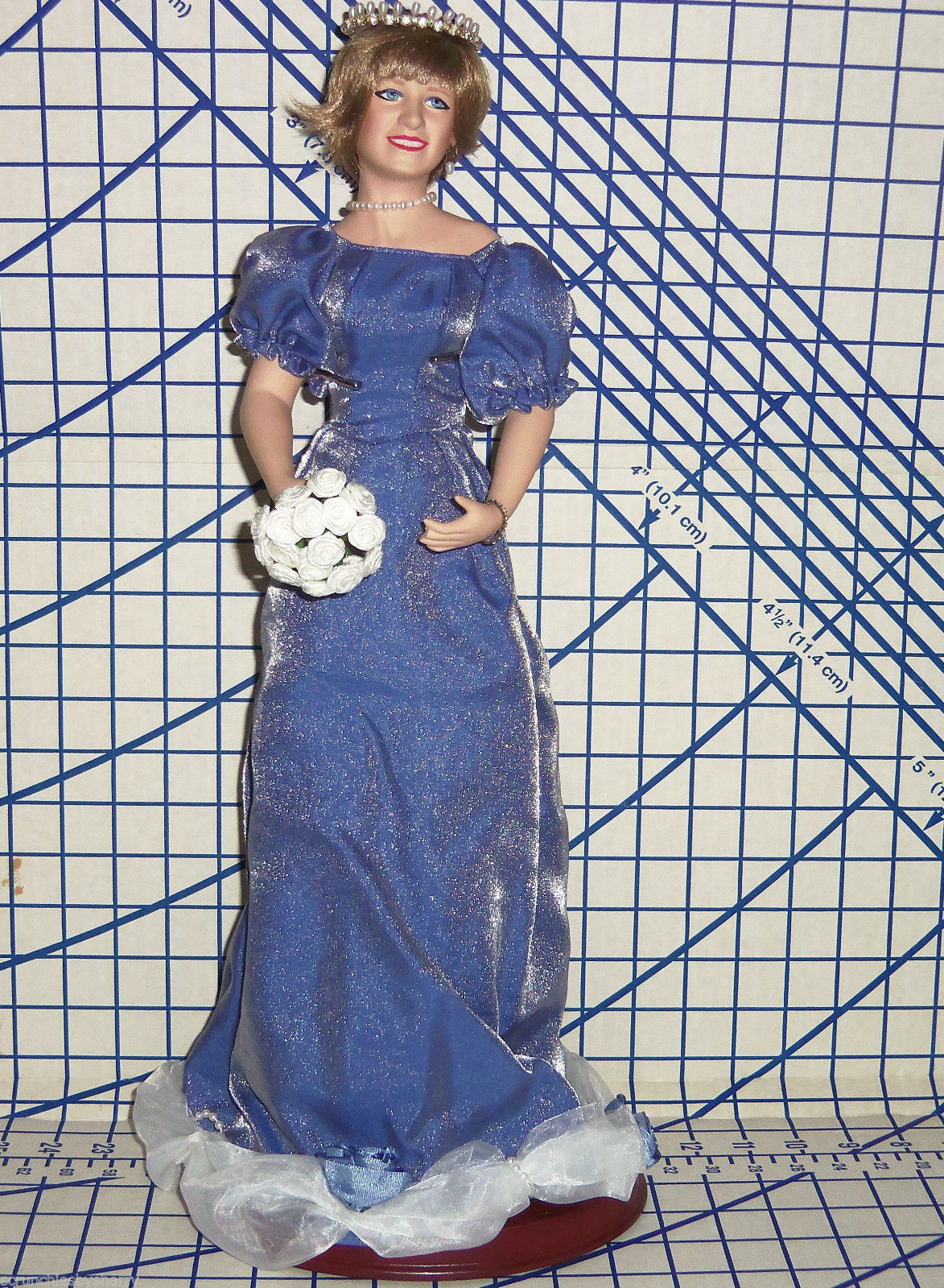 Primary image for Princess Diana Doll Porcelain Queen of Hearts Original Box COA First Issue