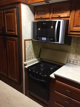 2010 New Horizons MAJESTIC 102-F39RETSS For Sale In Fillmore, IN 46128 image 8