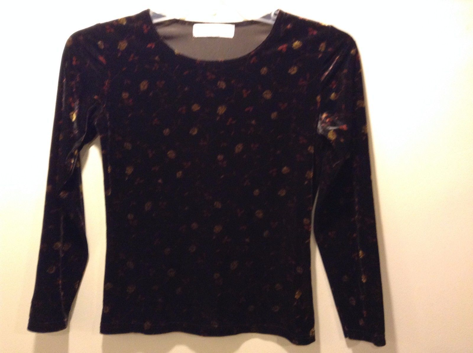 Petite Sophisticate Velvet Scoop Neck Black w Red Gold Flowers Long Sleeve Top