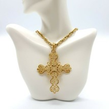 1950's CROWN TRIFARI Gold Tone Filigree Crucifix Cross Pendant Necklace - $59.39