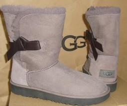 UGG CLASSIC KNOT SHORT Stormy Gray Suede Sheepskin Bow Boots Size 6 NIB ... - $2.211,16 MXN