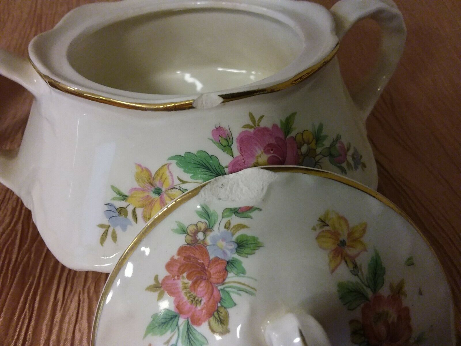 Vintage Homer Laughlin G48N6/D48N6 Pink Flower Gold Rim Sugar Bowl & Creamer