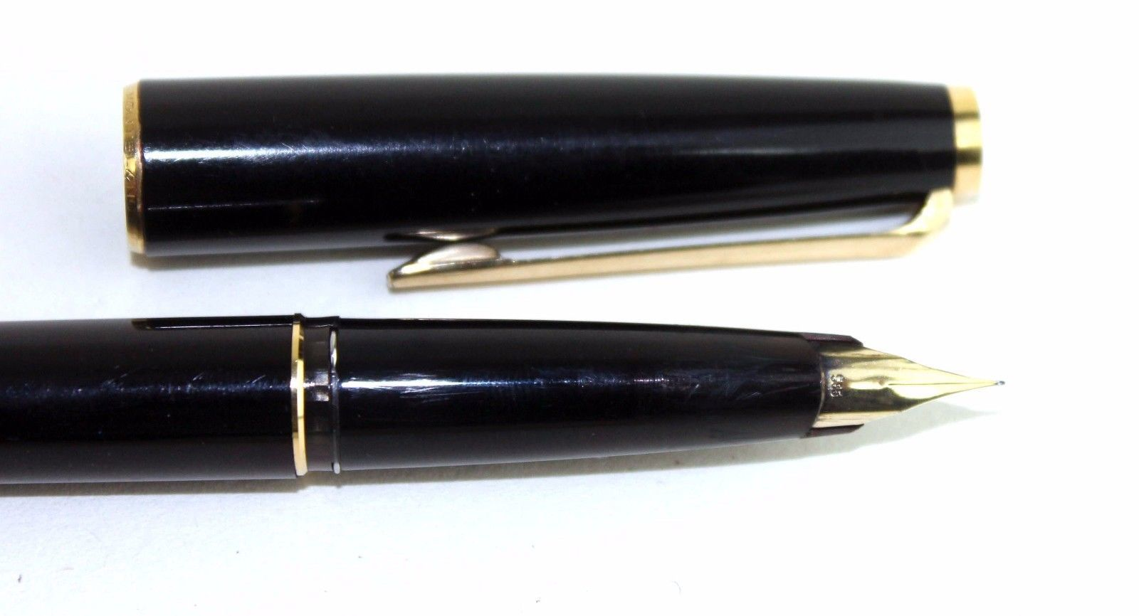 100% authentic Montblanc Fountain Pen 116075 Unicef  Meisterstuck Classique 585