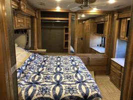 2019 THOR MOTOR COACH VENETIAN S40 FOR SALE IN Rapid City, SD 57701 image 5