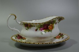 Royal Albert Old Country Roses Gravy Sauce Boat with Plate English Bone ... - $91.90