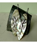 Fine silver lizard earrings, 999 silver earring, green mother of pearl l... - £69.15 GBP
