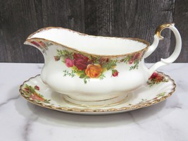 Royal Albert Old Country Roses Gravy Sauce Boat with Under Plate - $43.56