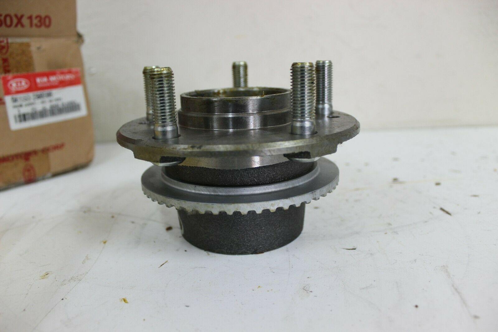 Kia 0K553 26060B Hub Wheel Assy RH New OEM