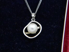 Vintage Sterling Silver Rhodium Plated 8mm Caribe Pearl Pendant Necklace... - €36,71 EUR