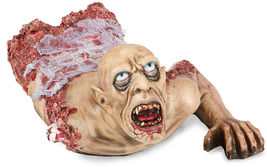72cm Crawling Zombie Bust With Gauze Decoration - ₨11,576.95 INR