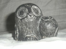 A WOLF ORIGINALS SOAPSTONE OWL FIGURINE WITH OWLETE HEAVILY CARVED BLACK - $24.74