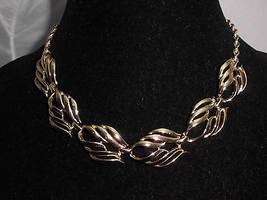 VTG Gold Tone Abstract Leaf Design Choker Necklace - $14.85