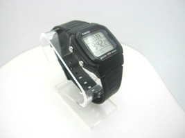 Men's Casio 10 Bar Water Resistant Digital Sport Watch (B989) W-800H - $31.39 CAD