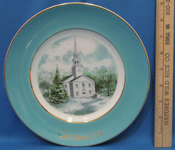 Vintage 1974 Enoch Wedgwood Collectors Plate Avon Christmas Country Church - $6.92