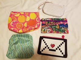 5 Makeup Bags Clinique Ipsy + Wristlet Assorted Sizes Patterns - $13.85