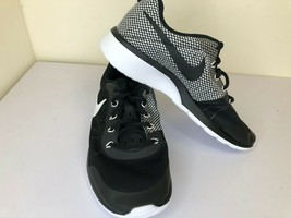 NIKE Older Kids' Tanjun Sneakers Size 6Y Little Kid Black/White - $50.47