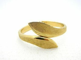 VTG TRIFARI Signed 1970's Book Piece Gold Tone Hinge Bracelet - $34.65