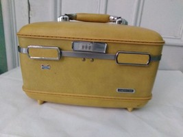 American Tourister Escort Train Cosmetic Case Vintage Yellow Gold  - $44.88