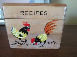 ss VTG Hand Painted Rooster WOOD RECIPE BOX Japan DOVETAIL WOODPECKER - $13.85