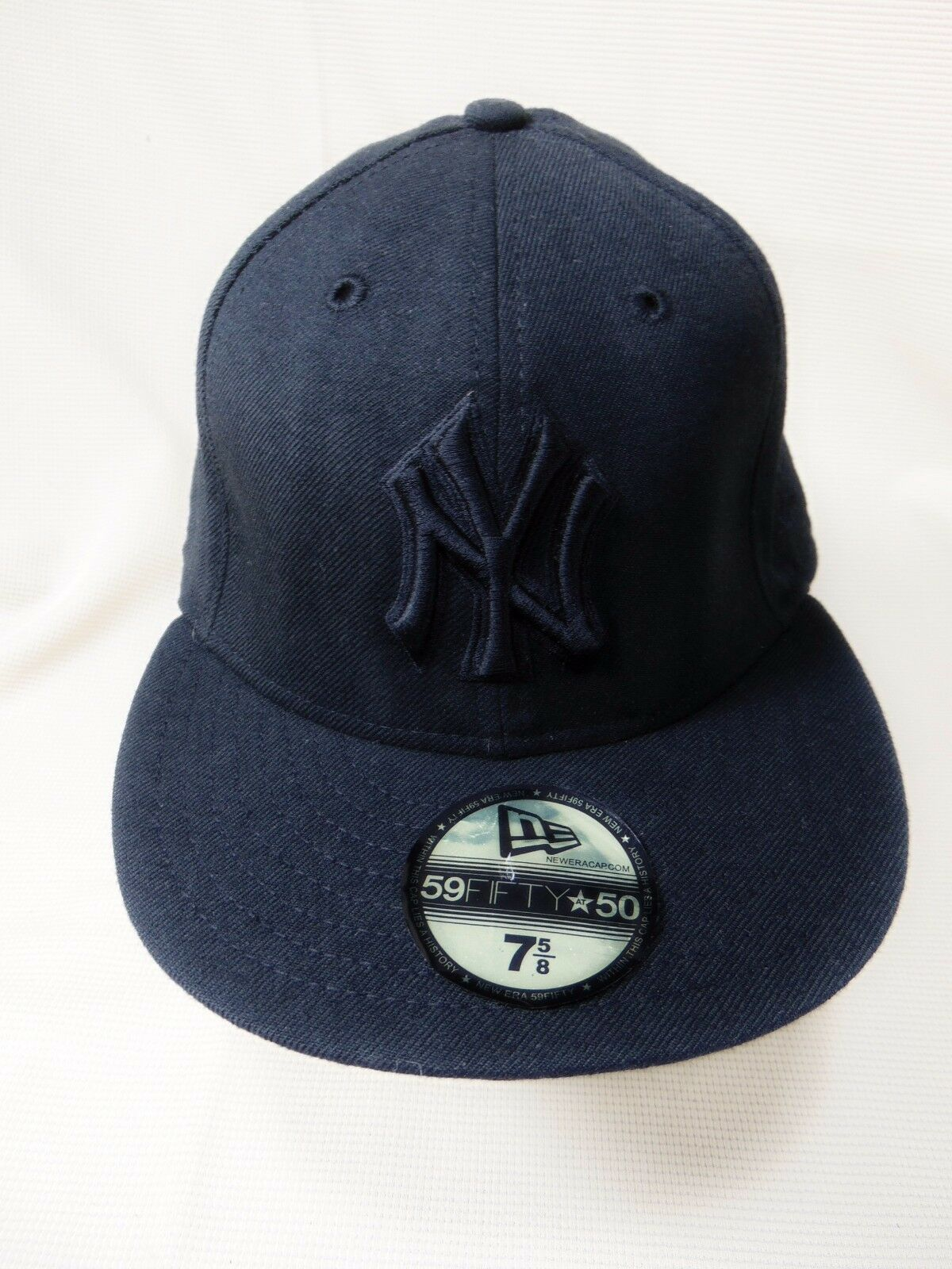 NEW ERA 59FIFTY New York Yankees NY Adult Fitted Hat Cap 7 5/8 Black MLB USA
