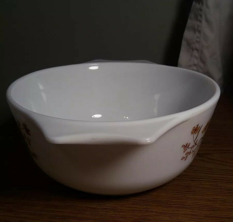 """Vtg Pyrex Country Autumn Casserole Dish Made England floral 6"""" x 3"""" tall 60s 70s"""