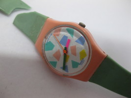 1992 Standard Swatch Watch Works - Damaged Broken Band S824 Peach Green - $25.98