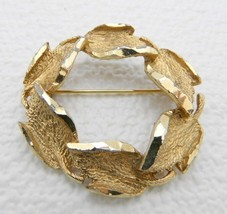 VTG CATHÉ Signed Gold Tone Abstract Leaf Wreath  Brooch Pin - $19.80