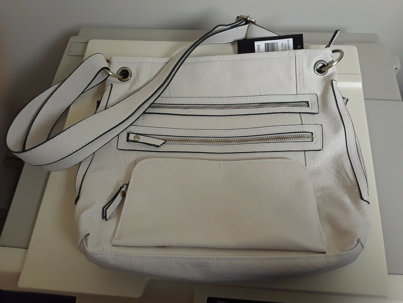 Primary image for WOMENS Bueno Cream w Black Accents LARGE SHOULDER HANDBAG NEW W/ TAGS Vegan
