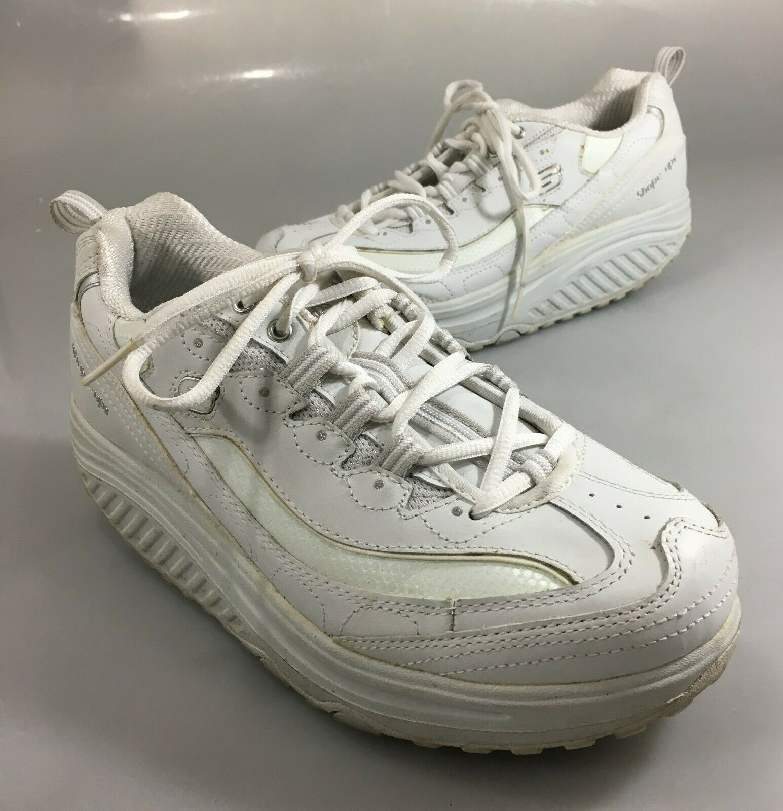 Skechers Womens 9.5 Shape-Ups White Leather Toning Gym Shoes Sneakers Kicks
