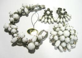 VINTAGE LARGE WHITE GLASS & RHINESTONE JULIANA BRACELET BROOCH EARRINGS ... - $235.00