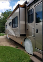 2005 FLEETWOOD AMERICAN TRADITION COACH FOR SALE image 3
