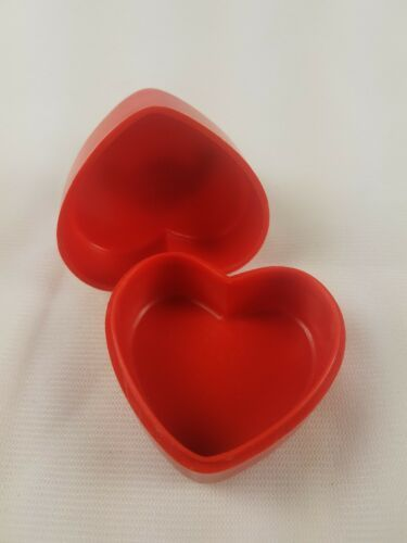 Hallmark Valentines Day Trinket Box Heart with White Bear on Top image 5