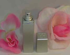 New Estee Lauder Pleasures Eau De Perfume Parfum .17 oz 5 ml Purse Travel Spray - $16.99
