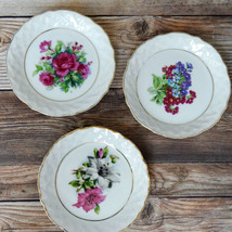 "Vintage Set of 3 Enesco Mini Plates 4"" Snack Cake Coasters Floral Center - $12.99"