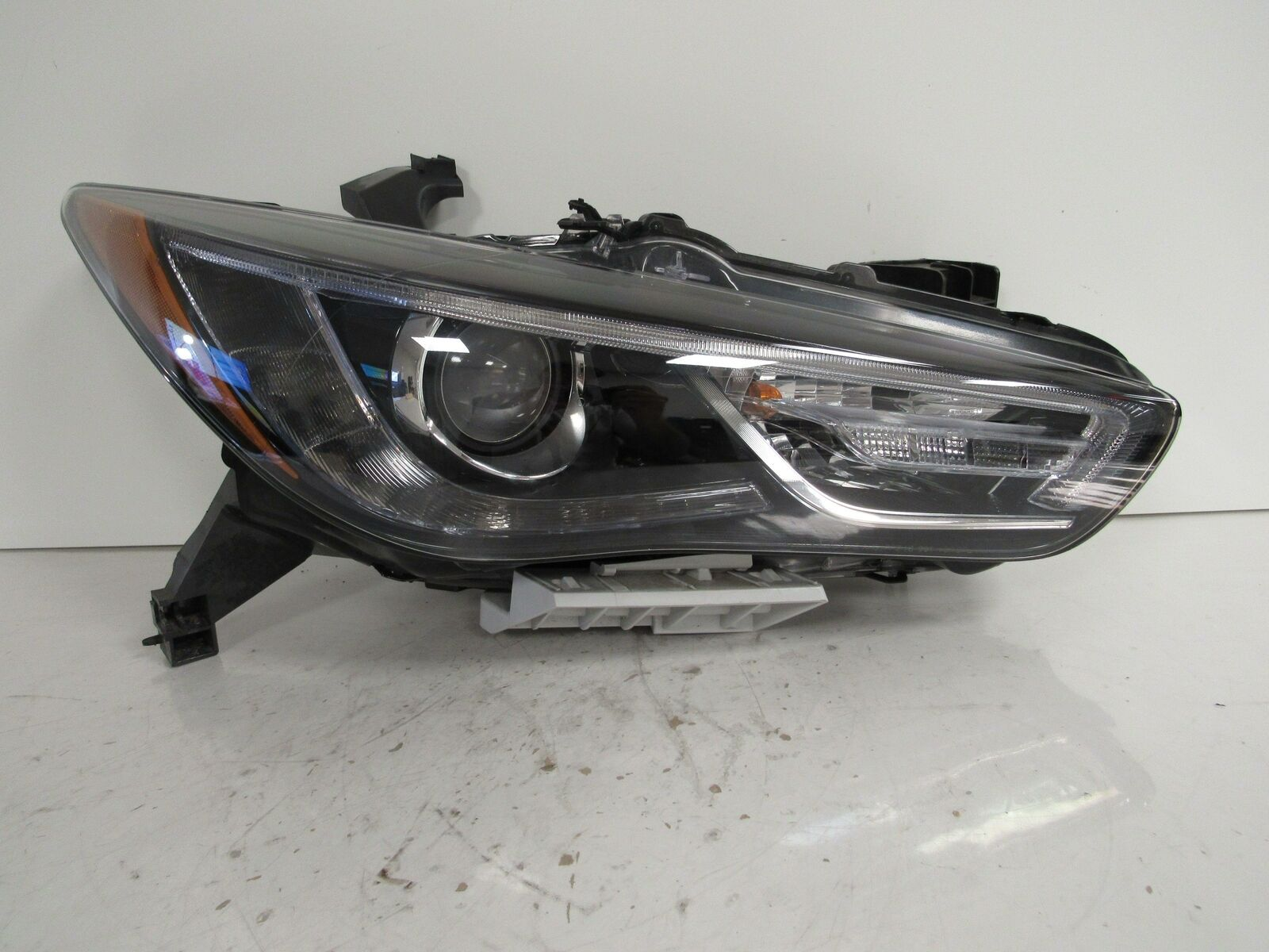 Primary image for 2017 2018 INFINITI QX60 RH PASSENGER HEADLIGHT OEM B33R