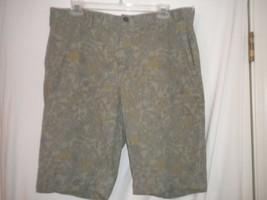 Roundtree & Yorke Casuals Size 34W Khaki Olive Hawaiian Mens Shorts - $8.90