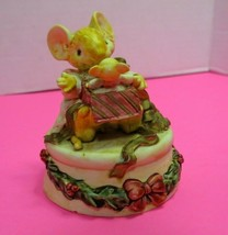 The San Francisco Music Box Company Mouse  We Wish You A Merry Christmas... - $19.95