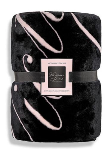 "Victoria's Secret Sherpa Blanket Throw Blanket 50"" x 60"" NWT - $63.58"