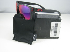 Nuevo Oakley Deporte Holbrook Negro Mate con Rojo IRIDIO OO9102-36 - $195.99