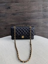 NWT AUTHENTIC CHANEL BLACK QUILTED CAVIAR MEDIUM CLASSIC DOUBLE FLAP BAG Ghw