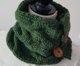 Green Cabled Neck Warmer, superwash bulky merino yarn, washable coconut ... - €32,35 EUR