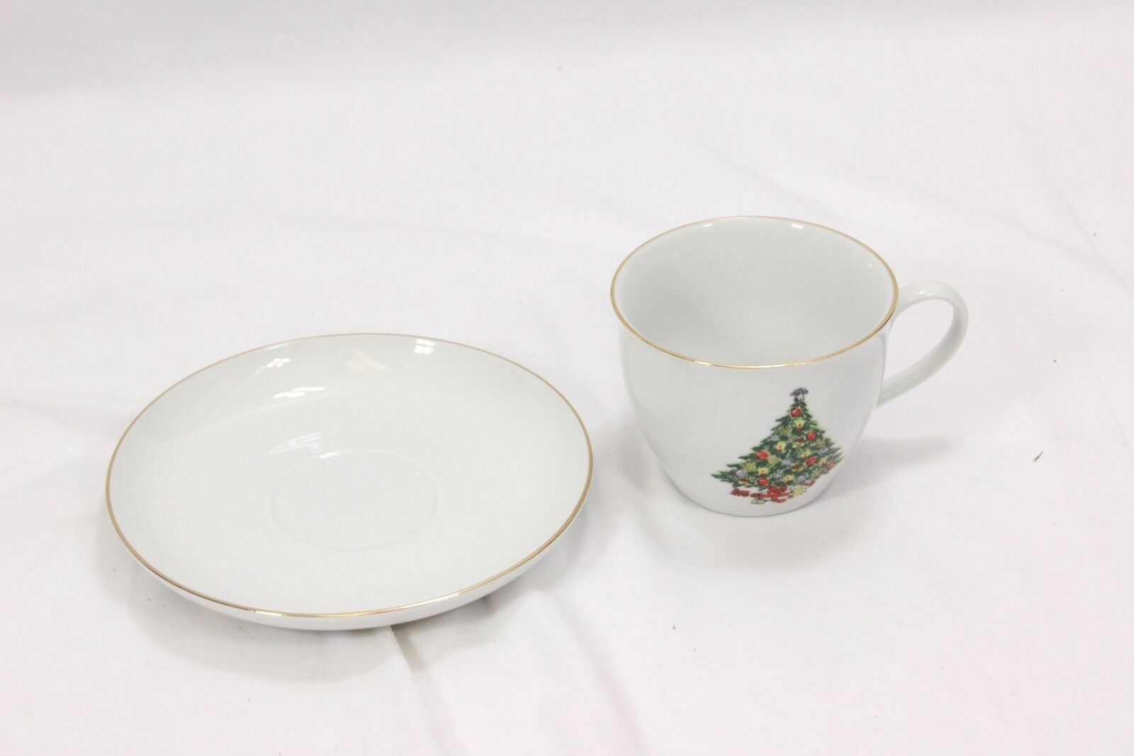 Jamestown Xmas Treasure Bowls Cups Saucers Lot of 12 image 4